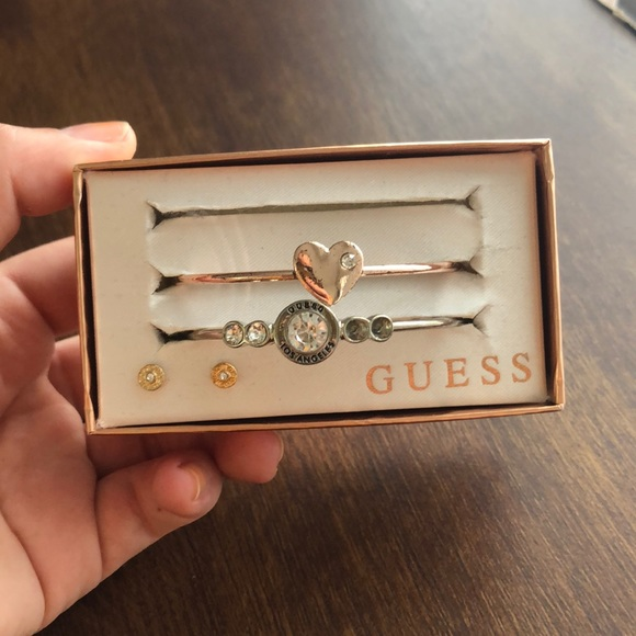 Guess Jewelry - GUESS BANGLES